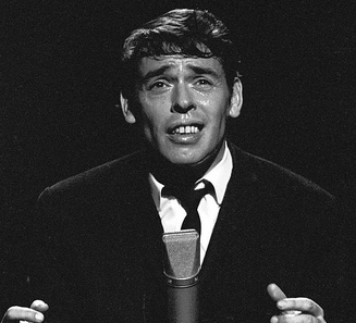 jacques brel singing microphone